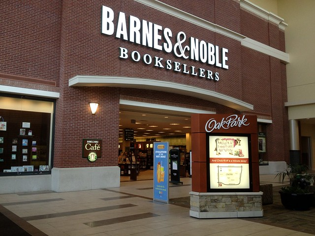 Barnes & Noble - Oak Park Mall
