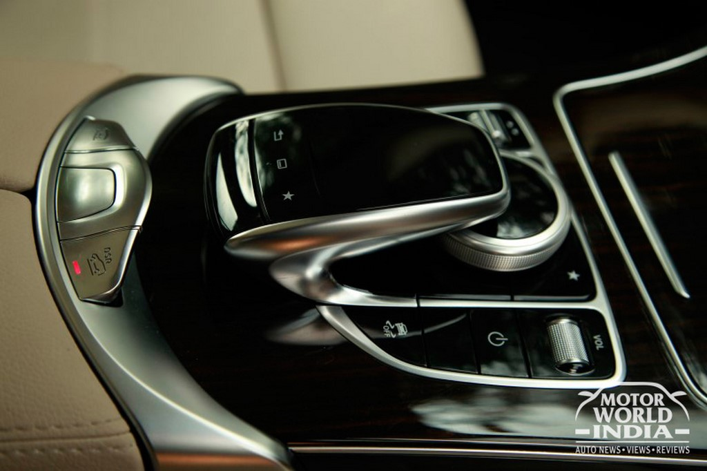 Mercedes-Benz-GLC-Interior-Dashboard (17)