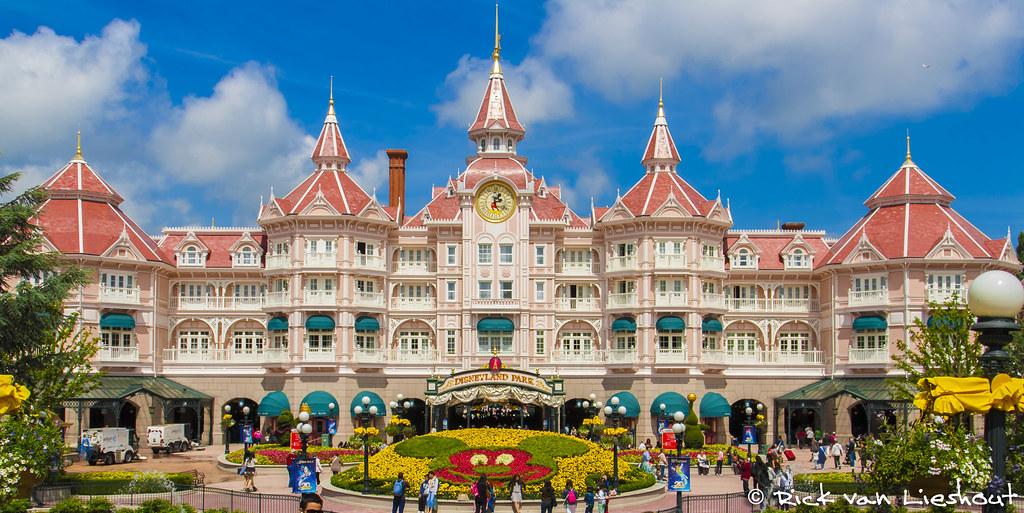 The disneyland paris hotel