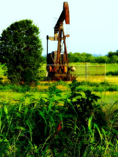 Old Oil Pump in Field | by danagraves