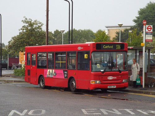 The last day - Go-Ahead London (Metrobus) 252, SN54GPX standing in Locksbottom on route 336