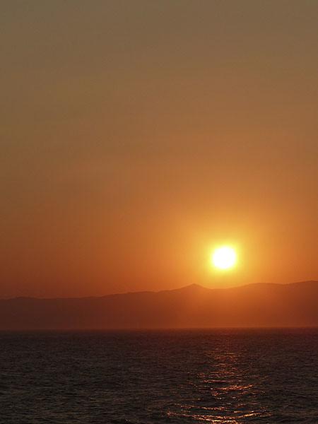 coucher de soleil sur le chemin de naxos