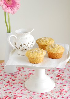 Orange and oats muffins / Muffins de laranja e aveia | by Patricia Scarpin