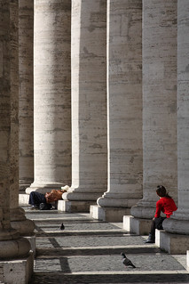 Colonnade, Piazza San Pietro, Vatican City | by Ministry