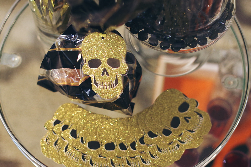 halloween-skull-tags-treat-bags-8