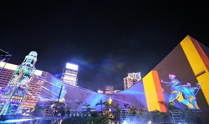 16 香港 閃躍維港 3D光雕匯演