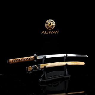 auway-samurai-sword-Rose-Tsuba-Wood-color-scabbard