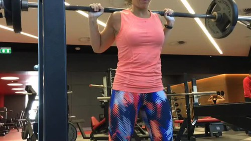 Just for fun I did all the #powerlifting things today, all at 60% and paused, in #compoundsets (thanks @jeffsmithfitness). It was a load of #volume and super fun!