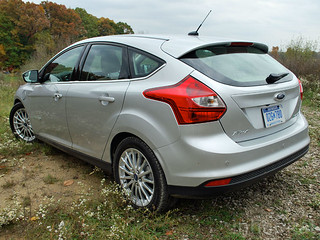 rsz-ford-focus-electric-rear-quarter | by Inhabitat