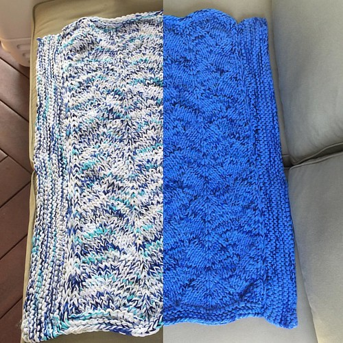 Left: finished blanket before washing, dyeing, and drying. Right: after. Details on my blog soon/later today. #knittersofinstagram #knitting #knitdesign #knittersofig #yarndyeing #dylondye