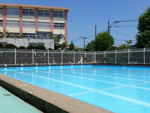 プール 学校