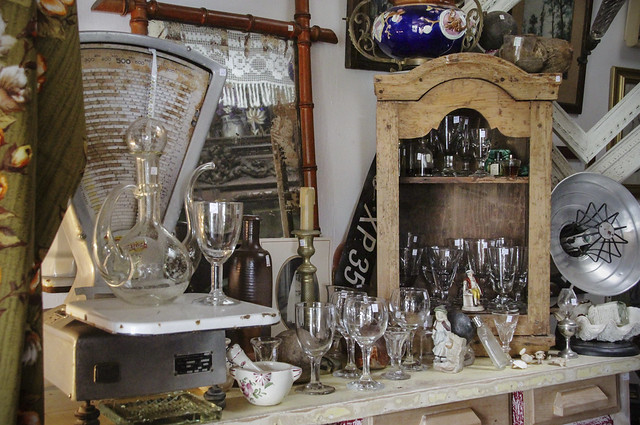 Brocante shops in Brittany