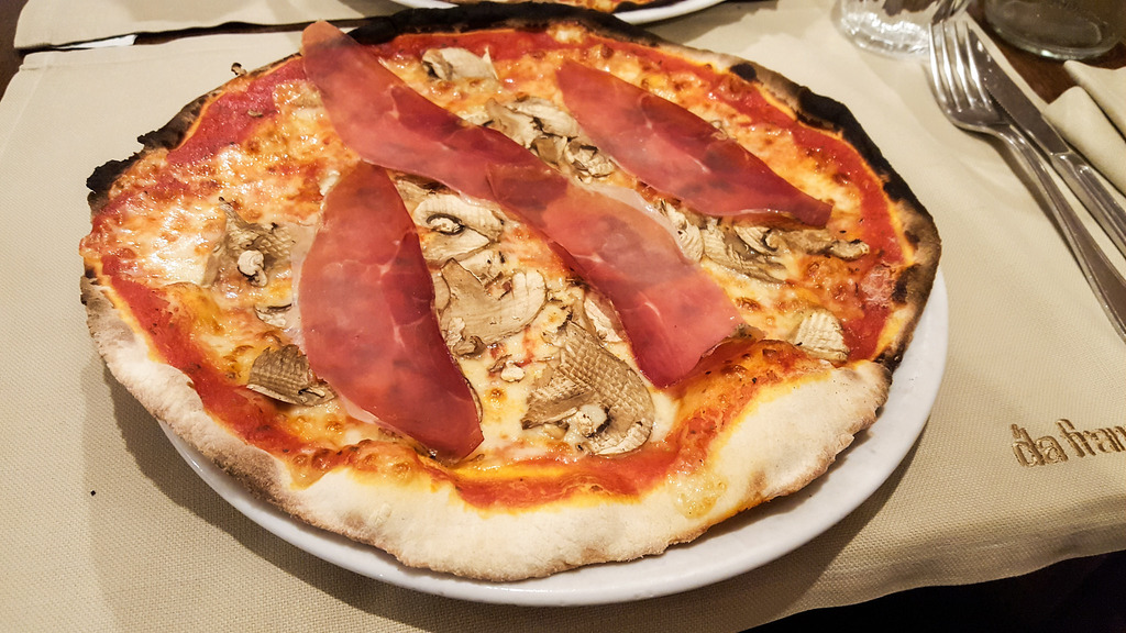 Pizza in Rome