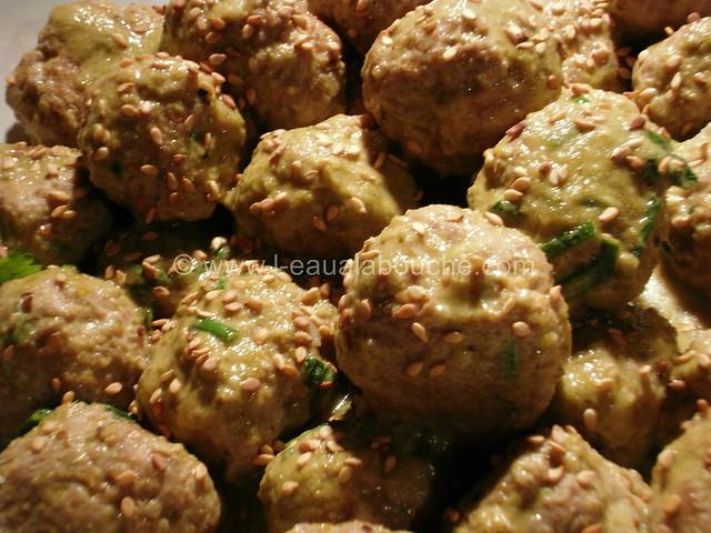 Boulette de Porc au Sésame au Curry Vert © Ana Luthi  Tous droits réservés 6