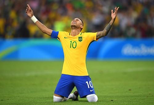 638916355KR00249_Brazil_v_G