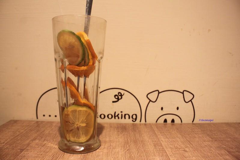台北美食-三重餓店烤吐司-17度C隨拍 (50)
