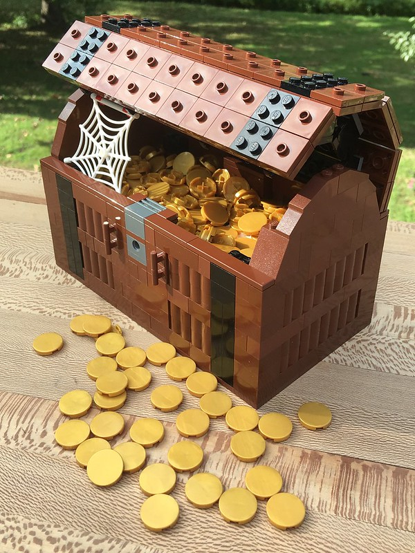 MOC: Lego Pirate Treasure Chest