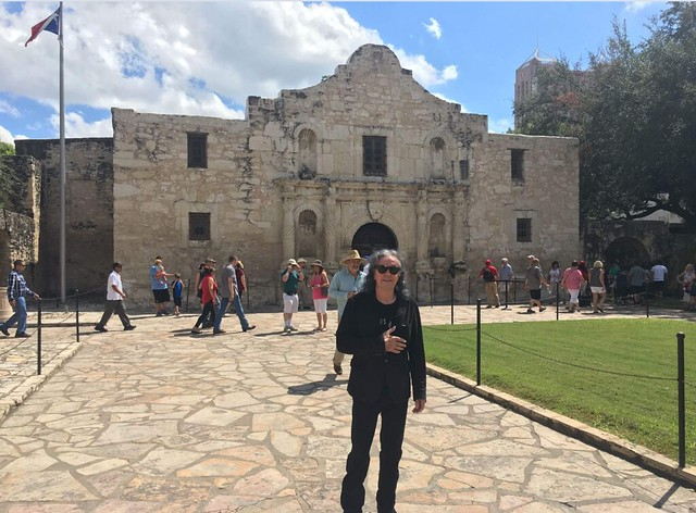 Donovan at the Alamo.
