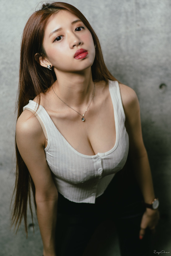 20160922 紅唇女孩