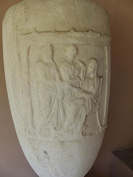 le Céramique tombe