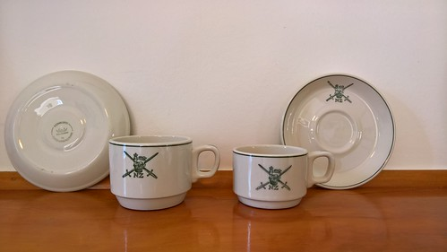 NZ Army cups - how many different styles? 29848890406_73eff4dee3