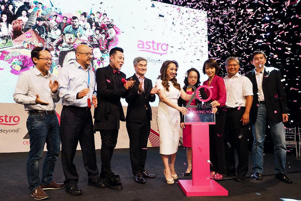 Astro's-20th-Anniversary---Pic-1
