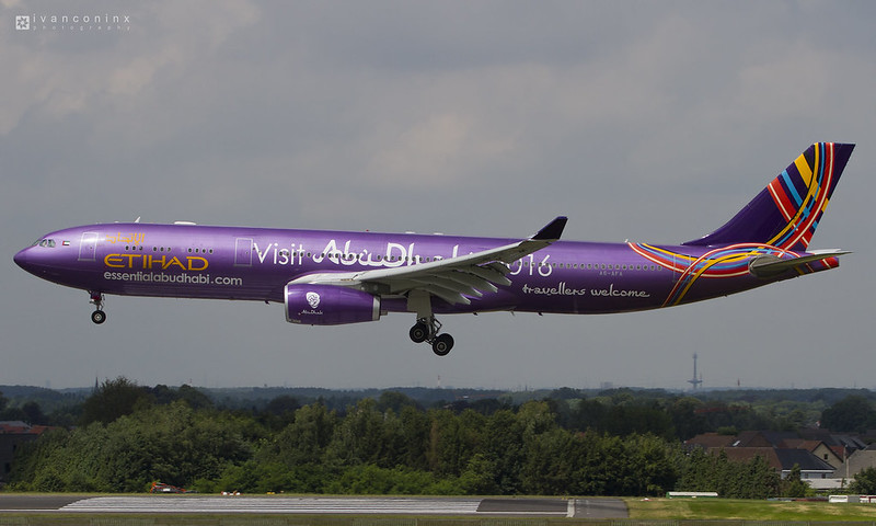 Airbus A330-343 – Etihad Airways – A6-AFA – Brussels Airport (BRU EBBR) – 2016 07 17 – Landing RWY 25L – 02 – Copyright © 2016 Ivan Coninx