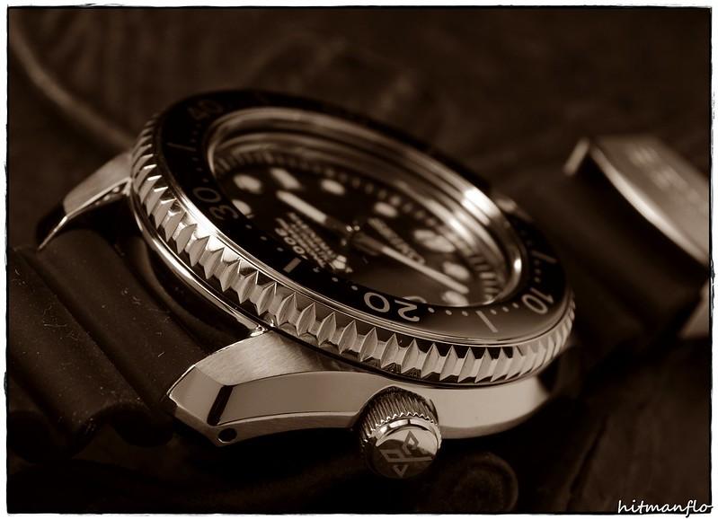 Feu de nos belles sur caoutchouc, rubber ou combinaisons cuir/rubber 29233405254_02d8dc8eac_c