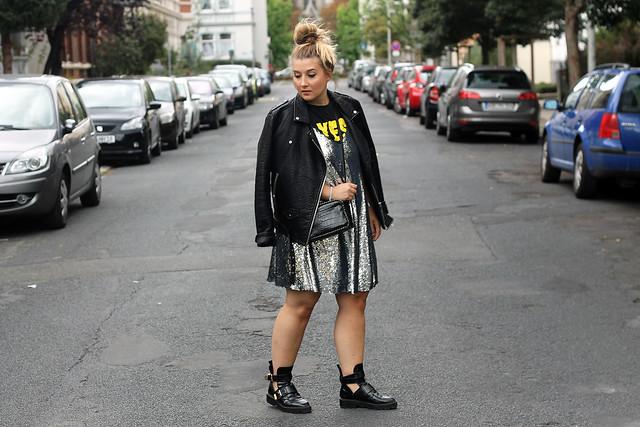 outfit-look-style-modeblog-fashionblog-pailettenkleid-über-shirt-zara-top-balenciaga-boots2
