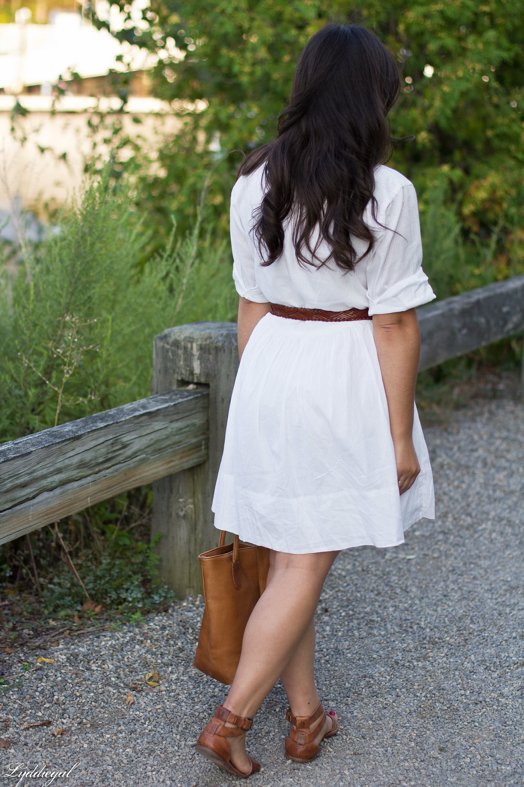 little white dress, brown leather tote bag, trask sandals-7.jpg