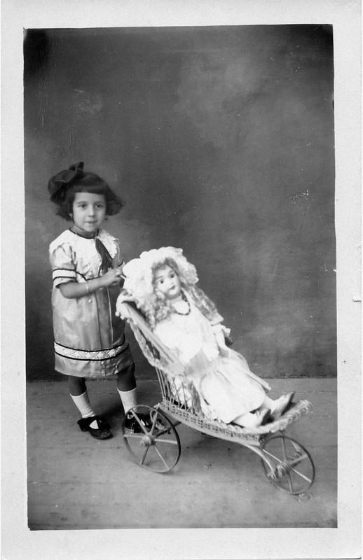 Año: 1920. Propietario: Hermanos Serra Martínez foto de hermanos linares
