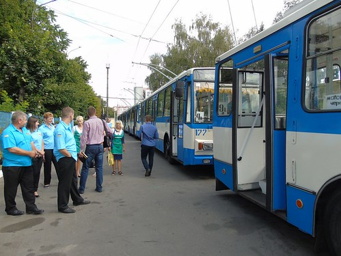 На автовокзали— тролейбусом