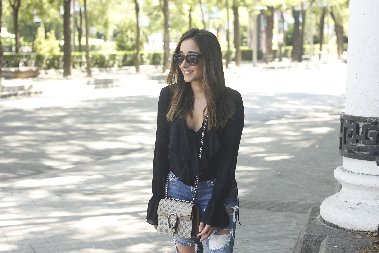 frilled shirt ripped jeans black heels gucci bag summer outfit sunnies08