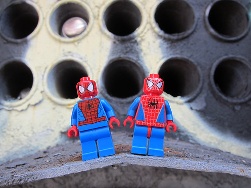 LEGO Super Heroes : Marvel Universe - Spiderman vs. Spiderman | by wiredforlego