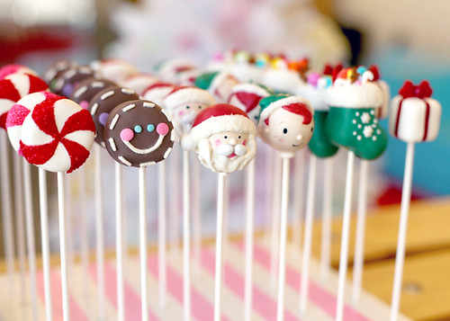 Holiday Cake Pops Bakerella