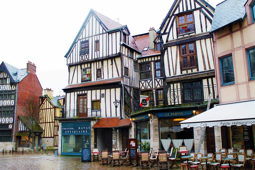Drawing Dreaming - 10 coisas a fazer num dia em Rouen - casas de madeira