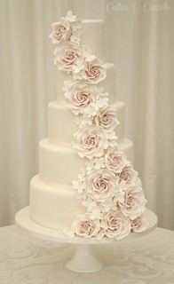 Rose cascade wedding cake | by Cotton and Crumbs