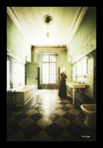 Salle de bain abandonn e salle de bain abandonn e for Salle de bain in english