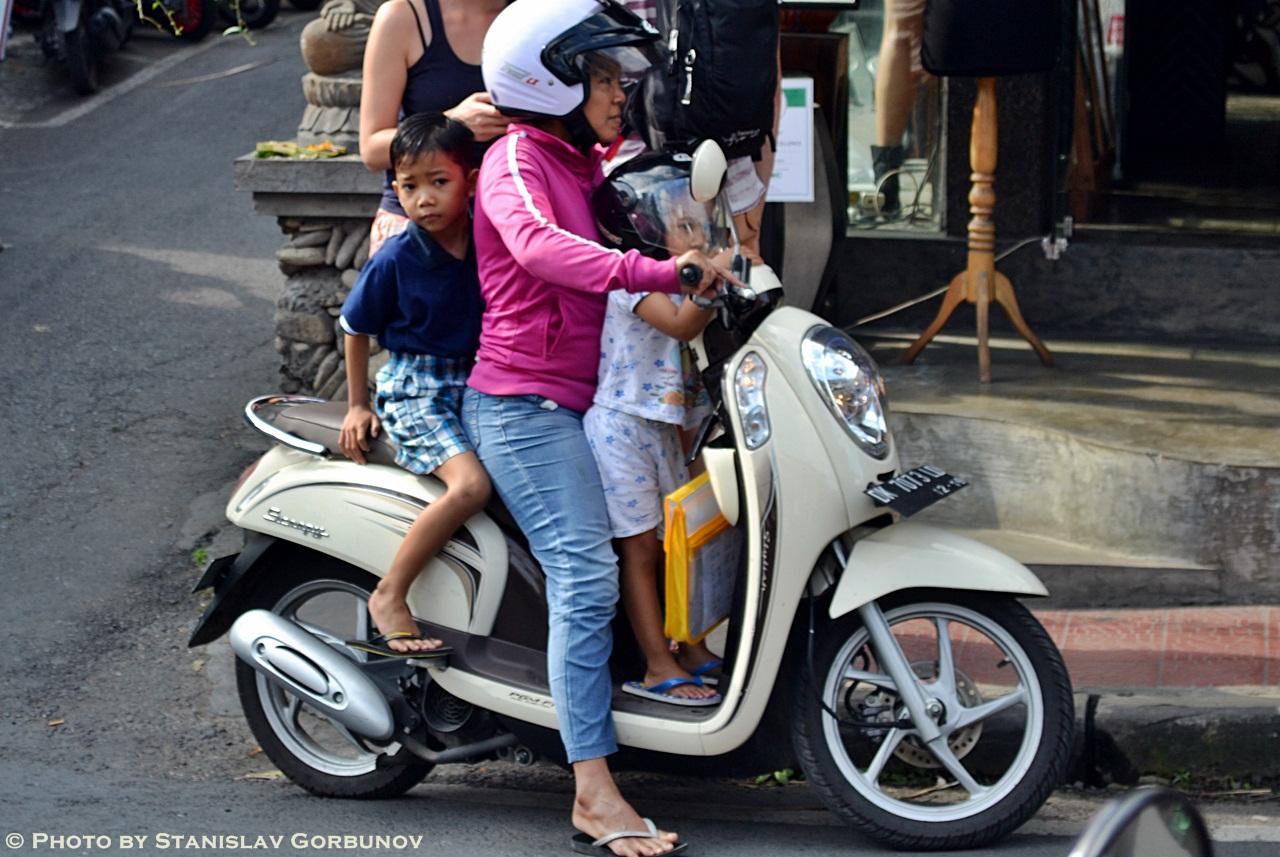 mopedi04