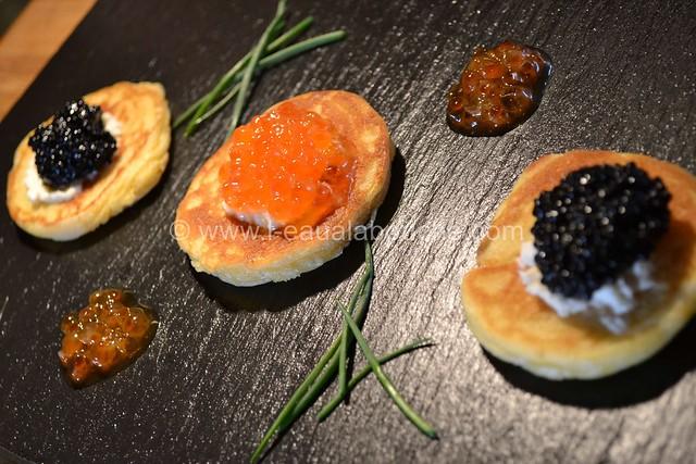 Blinis Oeufs de Lompe ou Oeufs de Saumon © Ana Luthi Tous droits réservés 004_GF