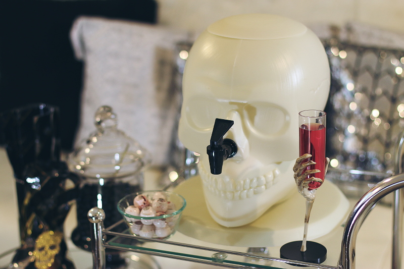 halloween-skull-drink-container-2