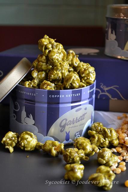2.Garrett popcorn mooncake set