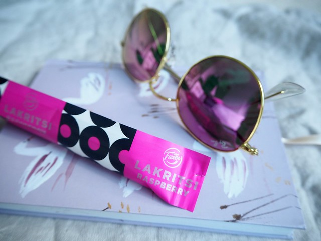 P9045588raybanroundmetalpinksunniesfazervadelmalakritsi,P9045572pinkraybansunglasses,P9045579pinkraybanroundmetalsunglasses, ray-ban round metal pink sunglasses pink, gold frames, pink mirrored lens, kultaiset kehykset, pinkit peililinssit, new favorites, pink details, asusteet, inspiration, accessories, fashion, muoti, shopping, ostokset, ndc, nunuco design company, swan lake notebook, joutsenlampi muistikirja, fazer raspberry licorice. new taste, uusi maku, fazer vadelma täytelakritsi, aitoja vadelmahippuja, authentic raspberry pieces, great combo combination, karl fazer suomi finland,