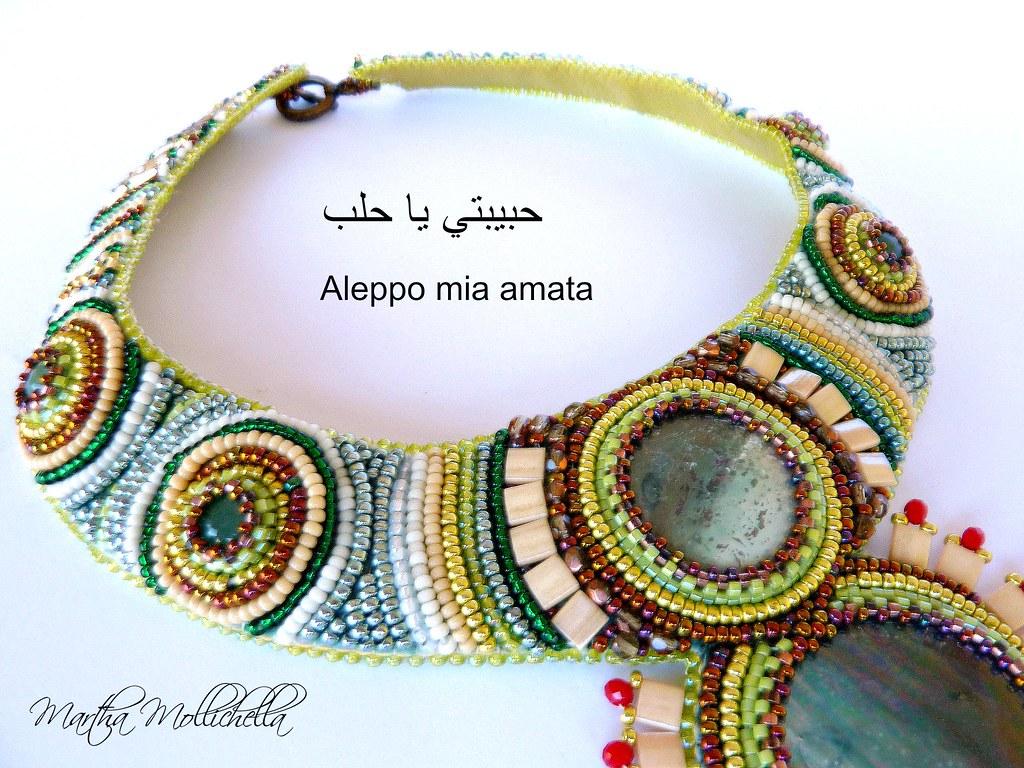 Aleppo collana ricamata a mano con cabochon in ceranaurimica perline e avventla urina Martha Mollichella design