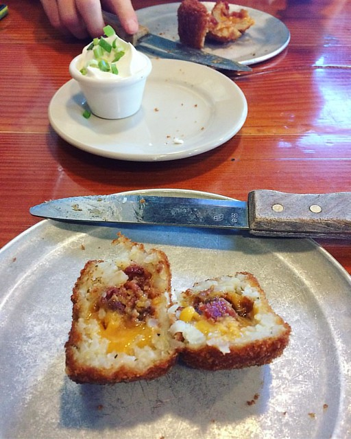 Bacon and cheddar stuffed giant tater tots at the Diamond Knot Brewery, mmmmm 😍