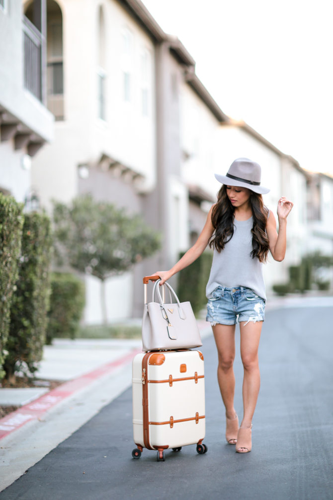 san-diego-sweater-shorts-outfit-670px-3