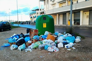 Noicattaro. Relazione abbandono rifiuti front