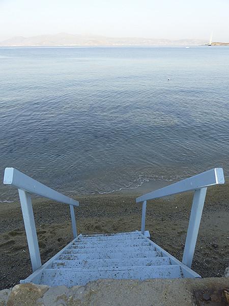 escalier dans la mer