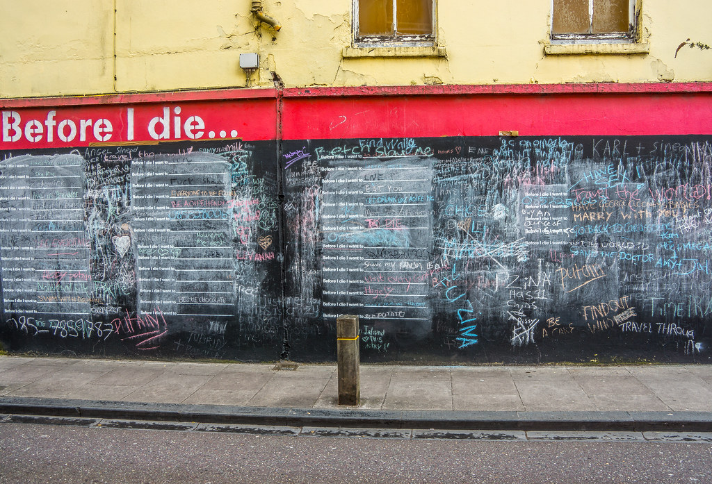 BEFORE I DIE WALL [CORNER OF KYLE STREET AND NORTH STREET IN CORK]-120645