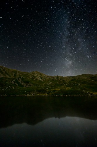 Milky Way and Bargetana Lake | by capellincolti